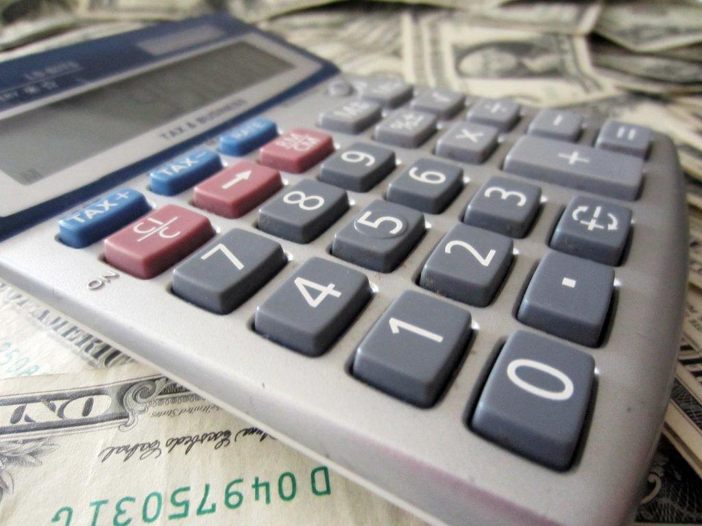 Kredyt w banku czy szybka pożyczka pozabankowa