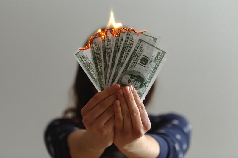 Wymiana zniszczonego banknotu – gdzie i jak wymienić podarty banknot?
