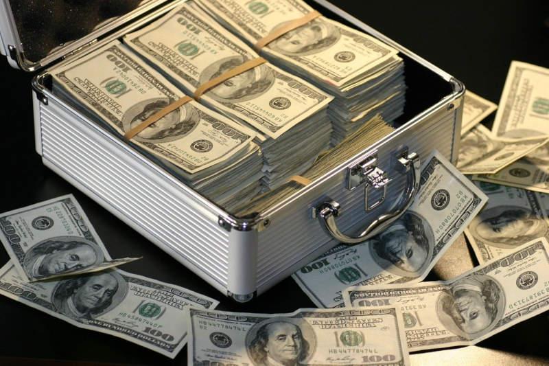 Na czym polega pranie pieniędzy?