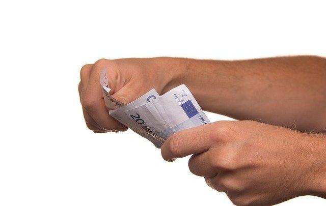 Pożyczki online – czy warto?
