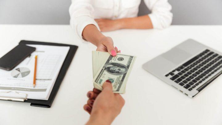 Sprzedaż długu – Na czym polega skup wierzytelności i internetowa giełda długów?